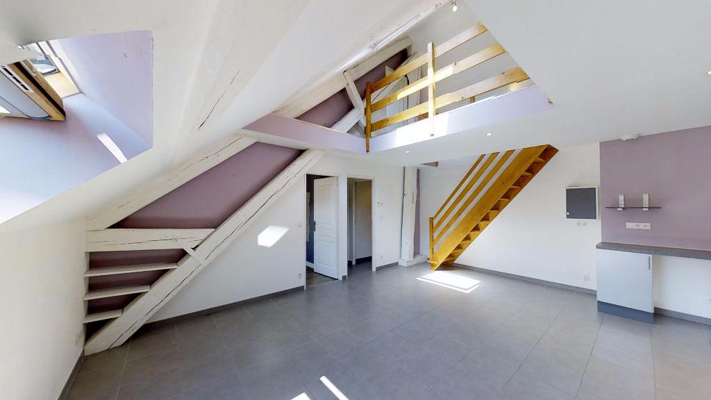 appartement 76.09m²  ORNANS  - photo 2