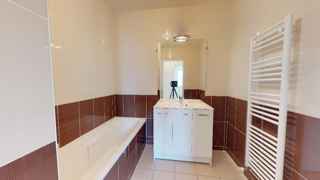 appartement 70m²  BESANCON  - photo 17