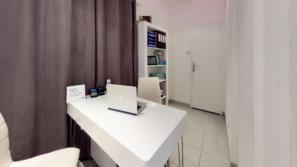 fond_commerce 42m²  BESANCON  - photo 3