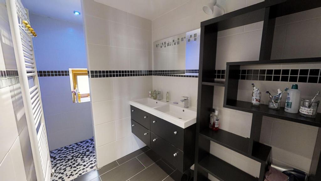 appartement 105m²  LA CLUSE ET MIJOUX  - photo 3