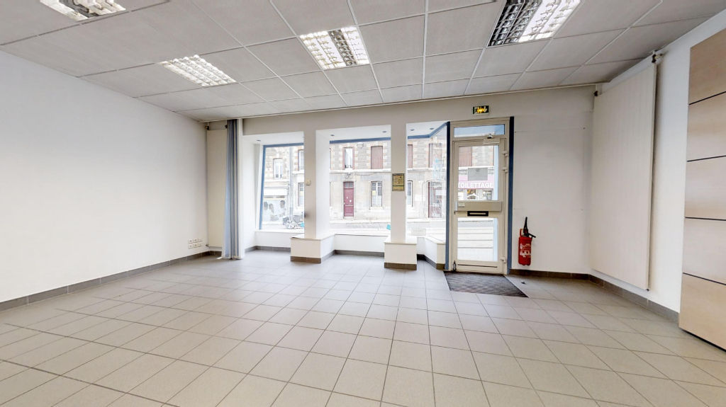 local_professionnel 69.38m²  BESANCON  - photo 2