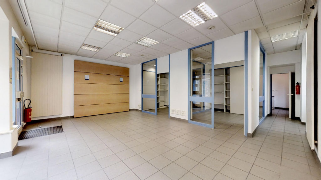 local_professionnel 69.38m²  BESANCON  - photo 4