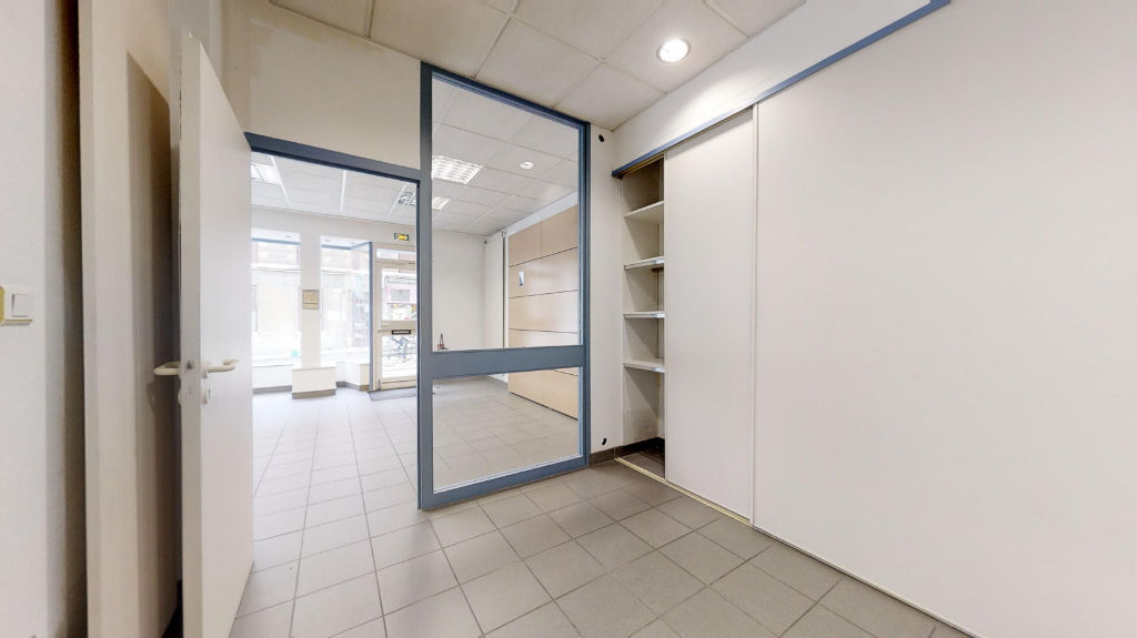 local_professionnel 69.38m²  BESANCON  - photo 7