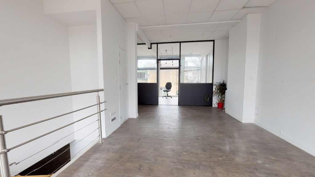 local_professionnel 203.65m²  BESANCON  - photo 1