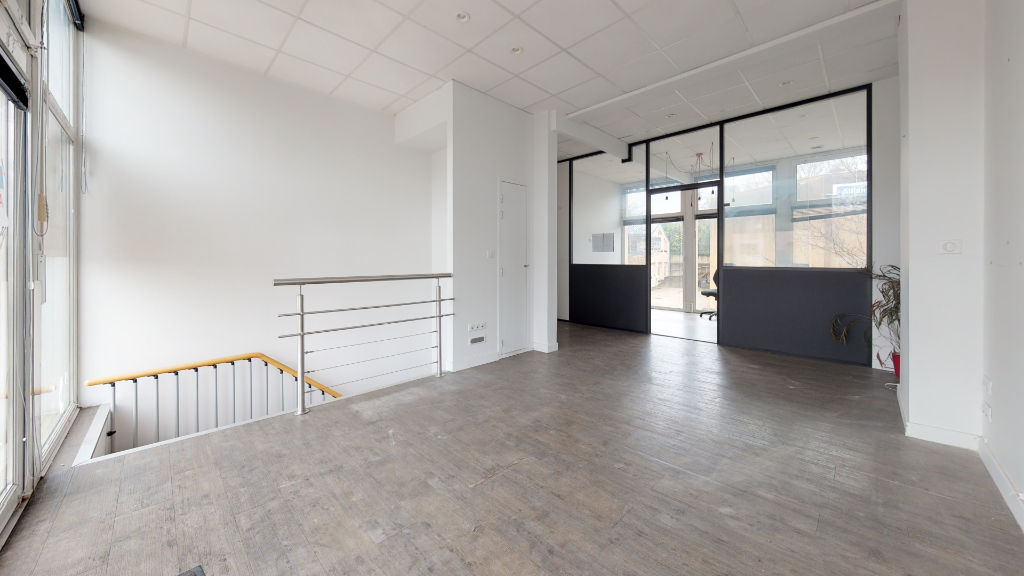 local_professionnel 203.65m²  BESANCON  - photo 2