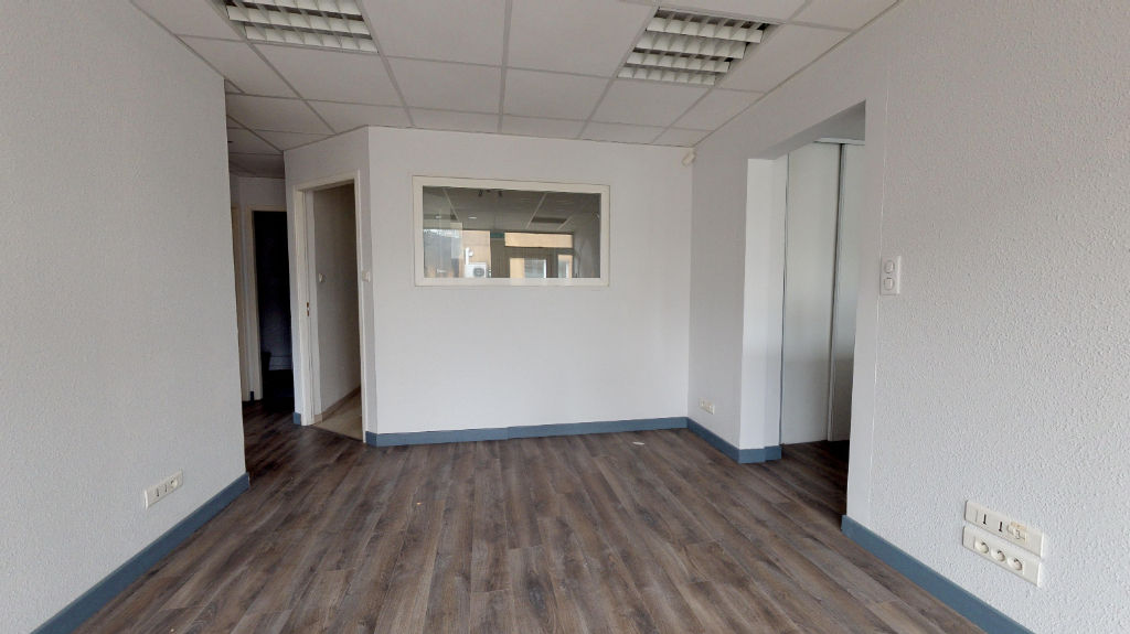 local_professionnel 203.65m²  BESANCON  - photo 6