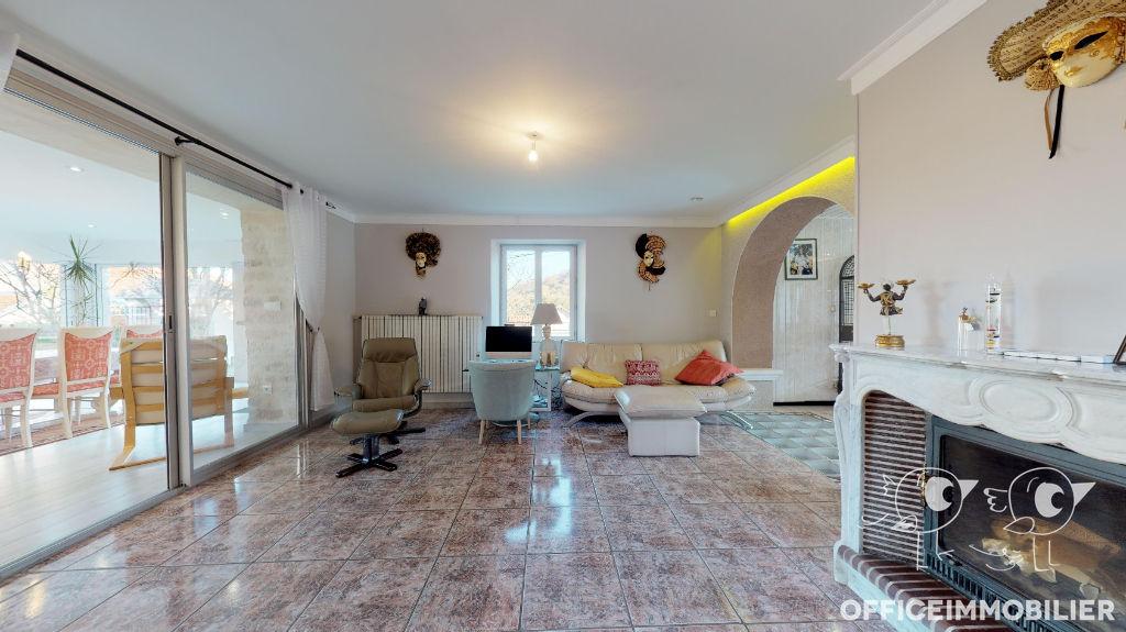 maison 235m²  POULIGNEY LUSANS  - photo 3