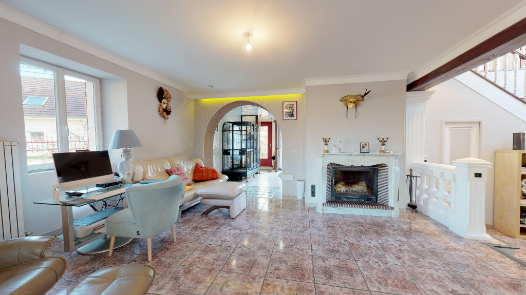 maison 235m²  POULIGNEY LUSANS  - photo 7