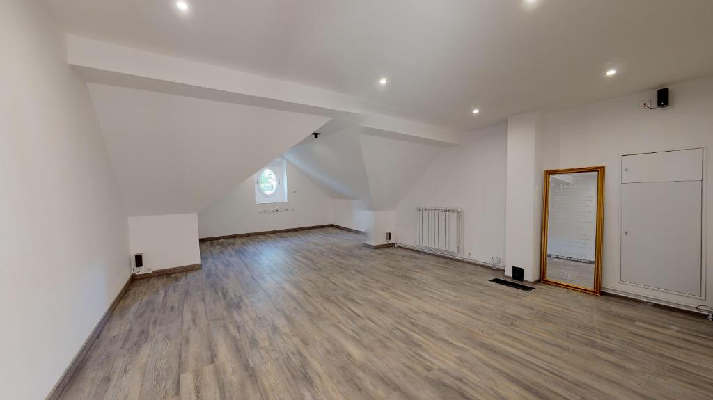 maison 235m²  POULIGNEY LUSANS  - photo 10