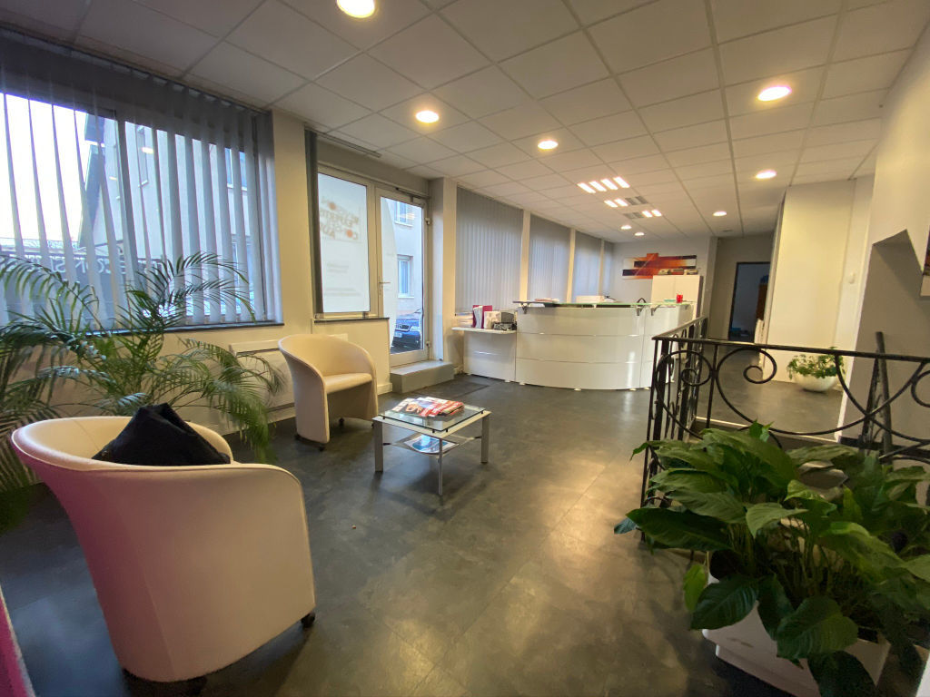 local_professionnel 544.61m²  BESANCON  - photo 1