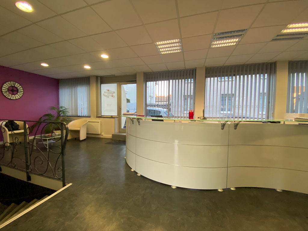 local_professionnel 544.61m²  BESANCON  - photo 3