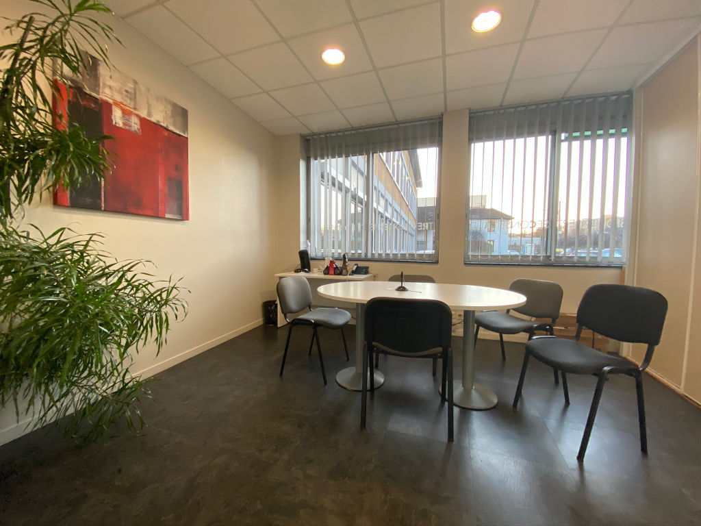 local_professionnel 544.61m²  BESANCON  - photo 9
