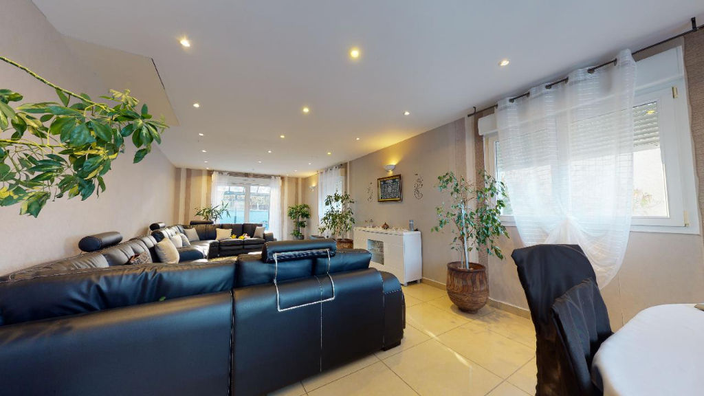 maison 150m²  AVANNE AVENEY  - photo 4