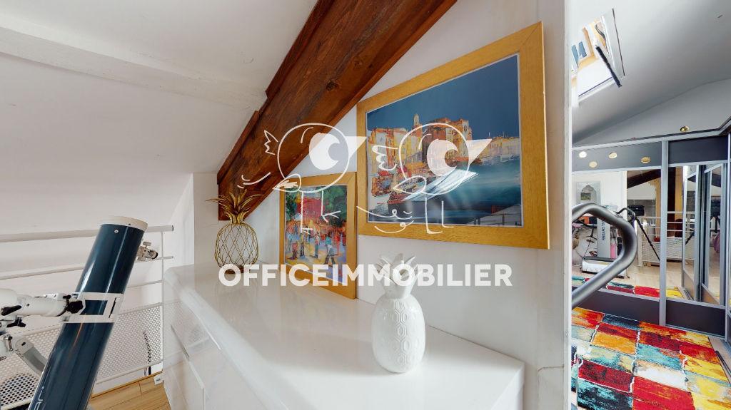 appartement 98m²  MISEREY SALINES  - photo 1