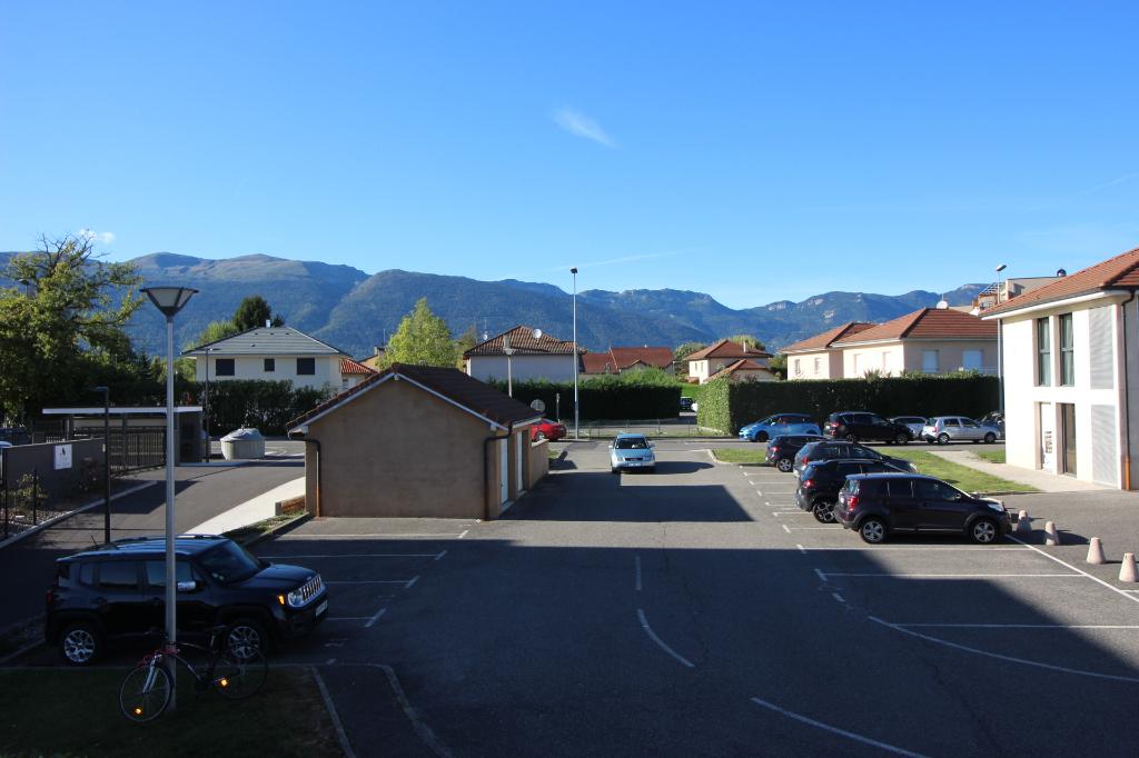 Sale apartment Ornex 295000€ - Picture 1
