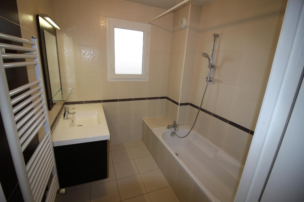 Sale apartment Ornex 295000€ - Picture 5