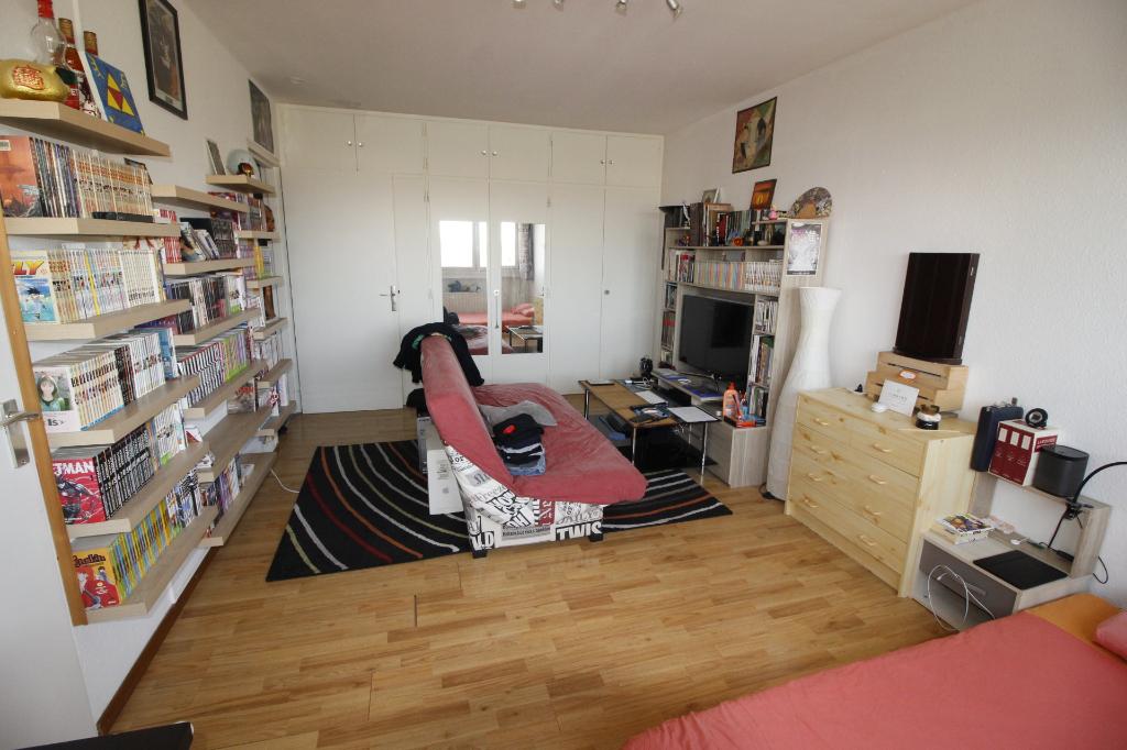 Sale apartment Ferney voltaire 155000€ - Picture 1