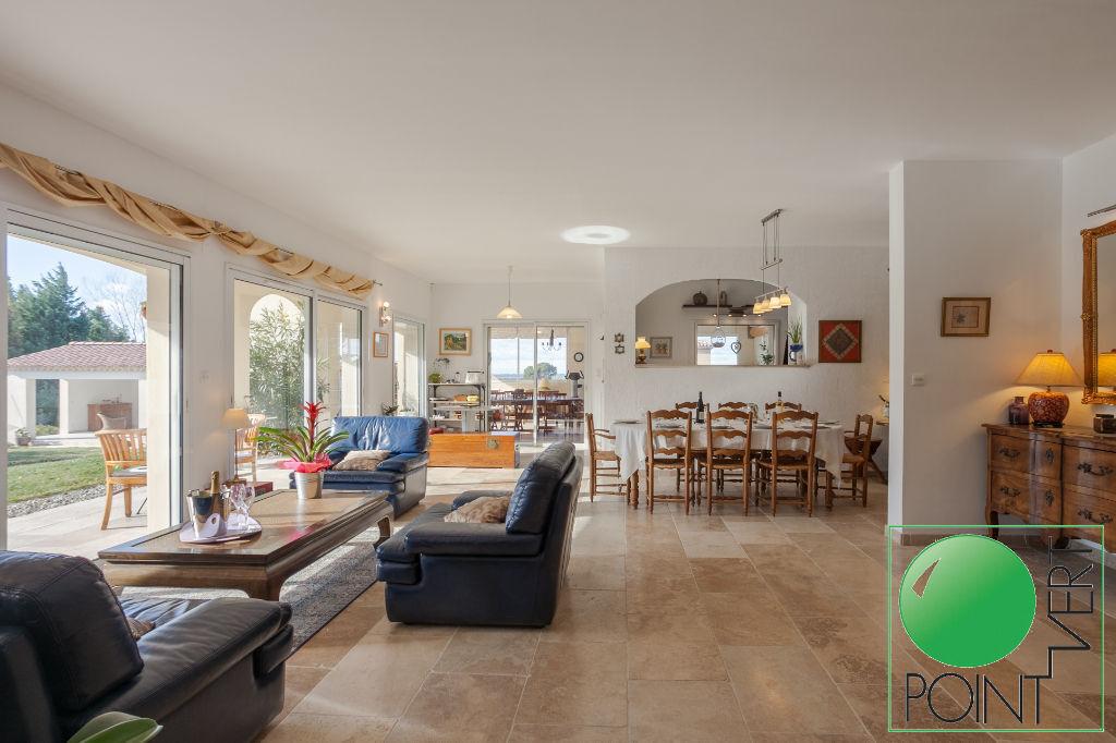 Vente Maison de 7 pièces 210 m² - L ISLE SUR LA SORGUE 84800 | POINT VERT VLG - AR photo6