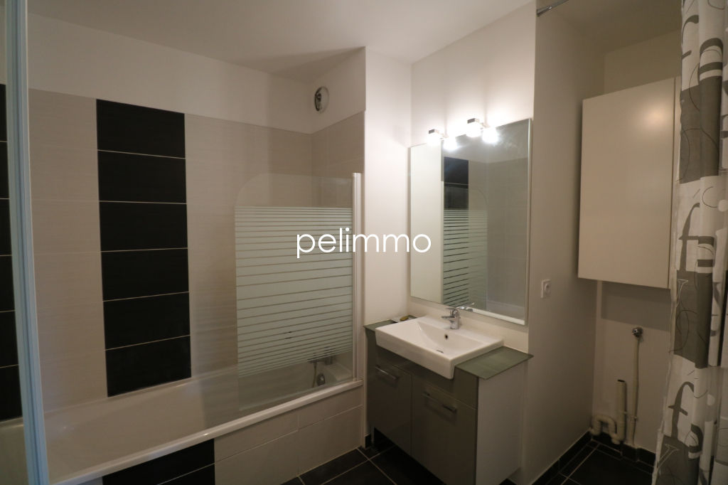 Location appartement Salon de provence 845€ CC - Photo 8