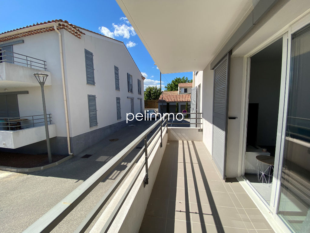 Location appartement Pelissanne 757€ CC - Photo 1