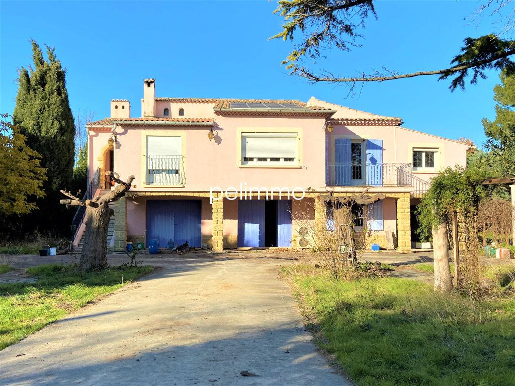 Maison Eyguieres 8 pièce(s) 243 m2