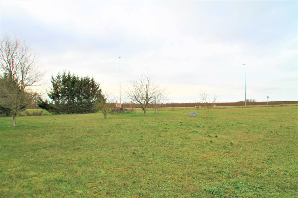 Sale site Beaugency 105500€ - Picture 2