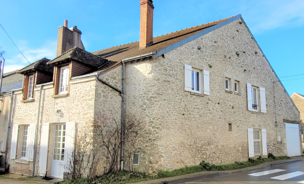 Sale house / villa Beaugency 250400€ - Picture 1
