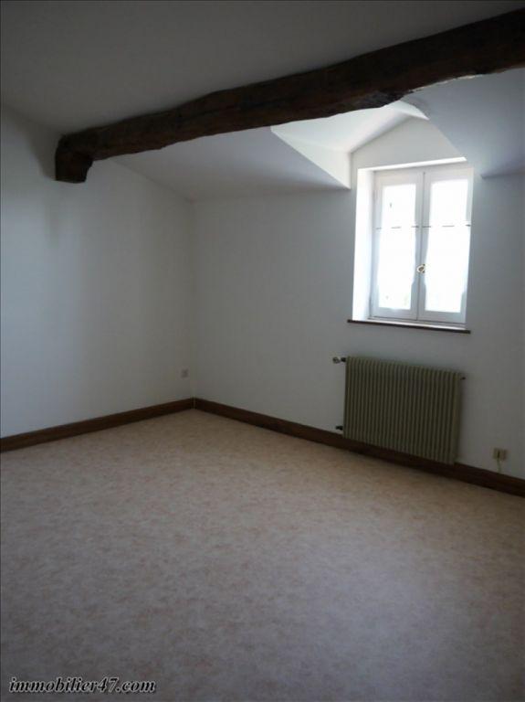Verhuren  huis Prayssas 775€ CC - Foto 8