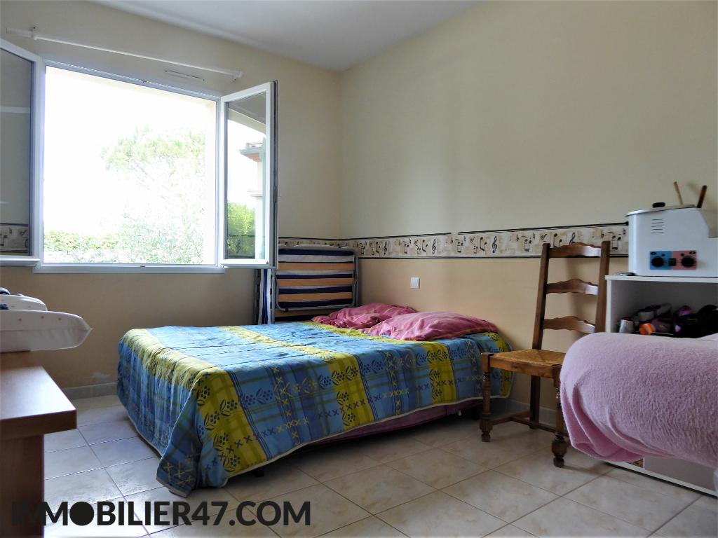 Verkoop  huis Sainte livrade sur lot 299000€ - Foto 8