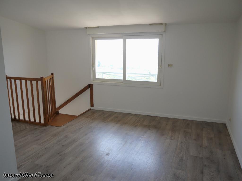 Location appartement Montpezat 315€ CC - Photo 6