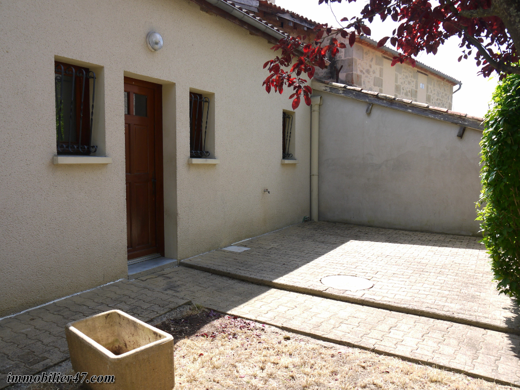 Rental apartment Tombeboeuf 469€ CC - Picture 4