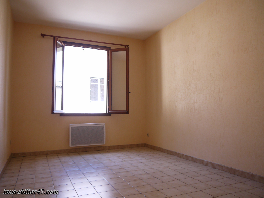 Location appartement Tombeboeuf 469€ CC - Photo 10