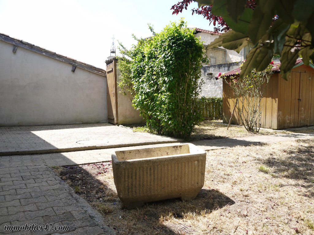 Rental apartment Tombeboeuf 469€ CC - Picture 16