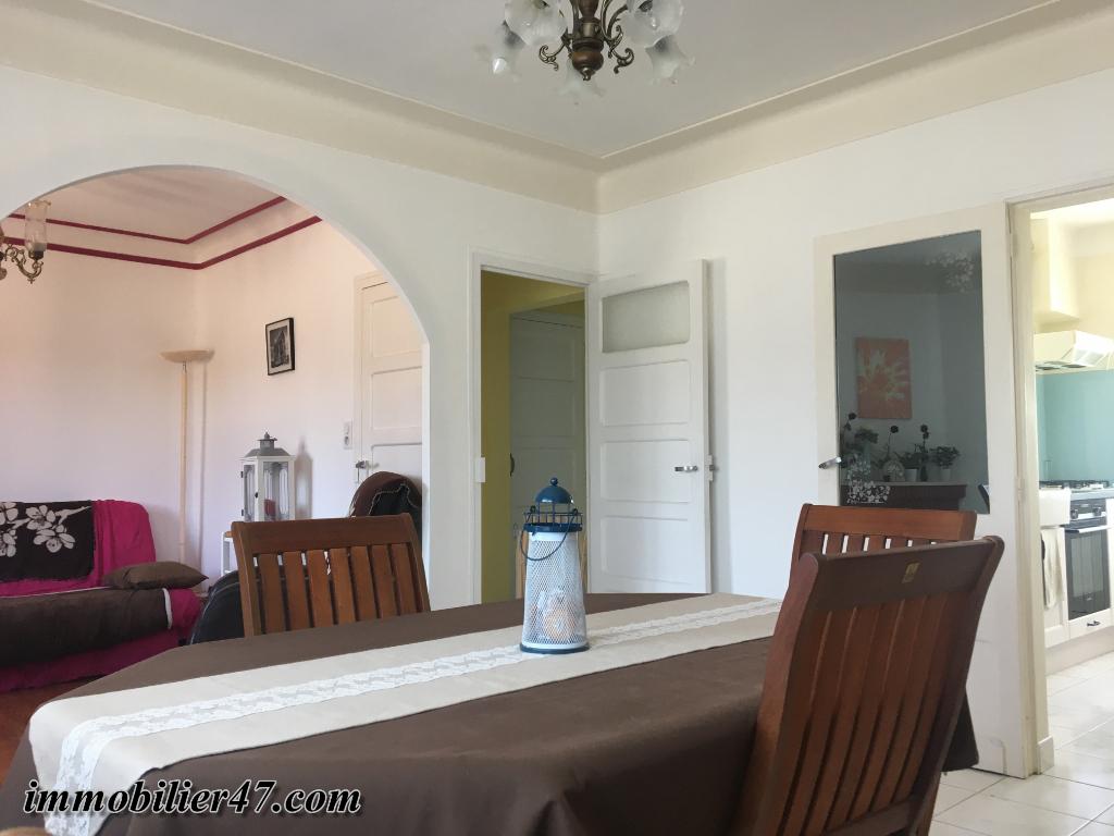 Rental house / villa Sainte livrade sur lot 550€ CC - Picture 2