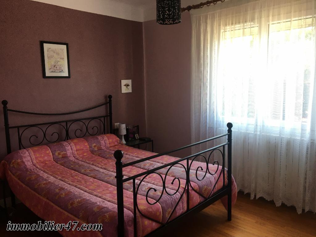 Location maison / villa Sainte livrade sur lot 550€ CC - Photo 6