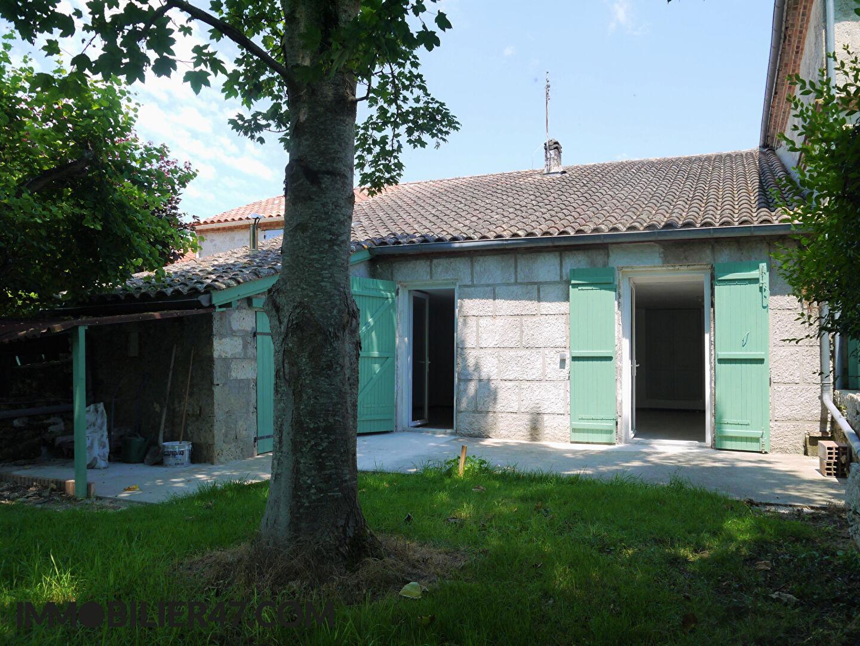 MAISON DE VILLAGE LUSIGNAN PETIT  - 3 Pièces - 104 m²