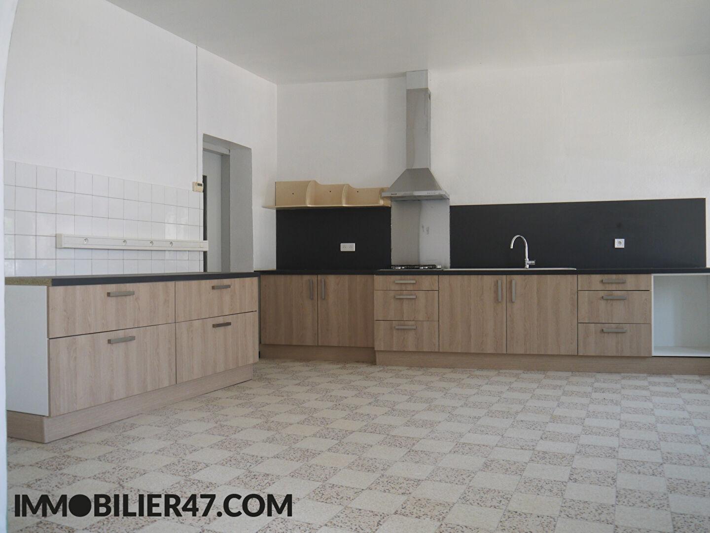 Rental house / villa Lusignan petit 590€ +CH - Picture 2
