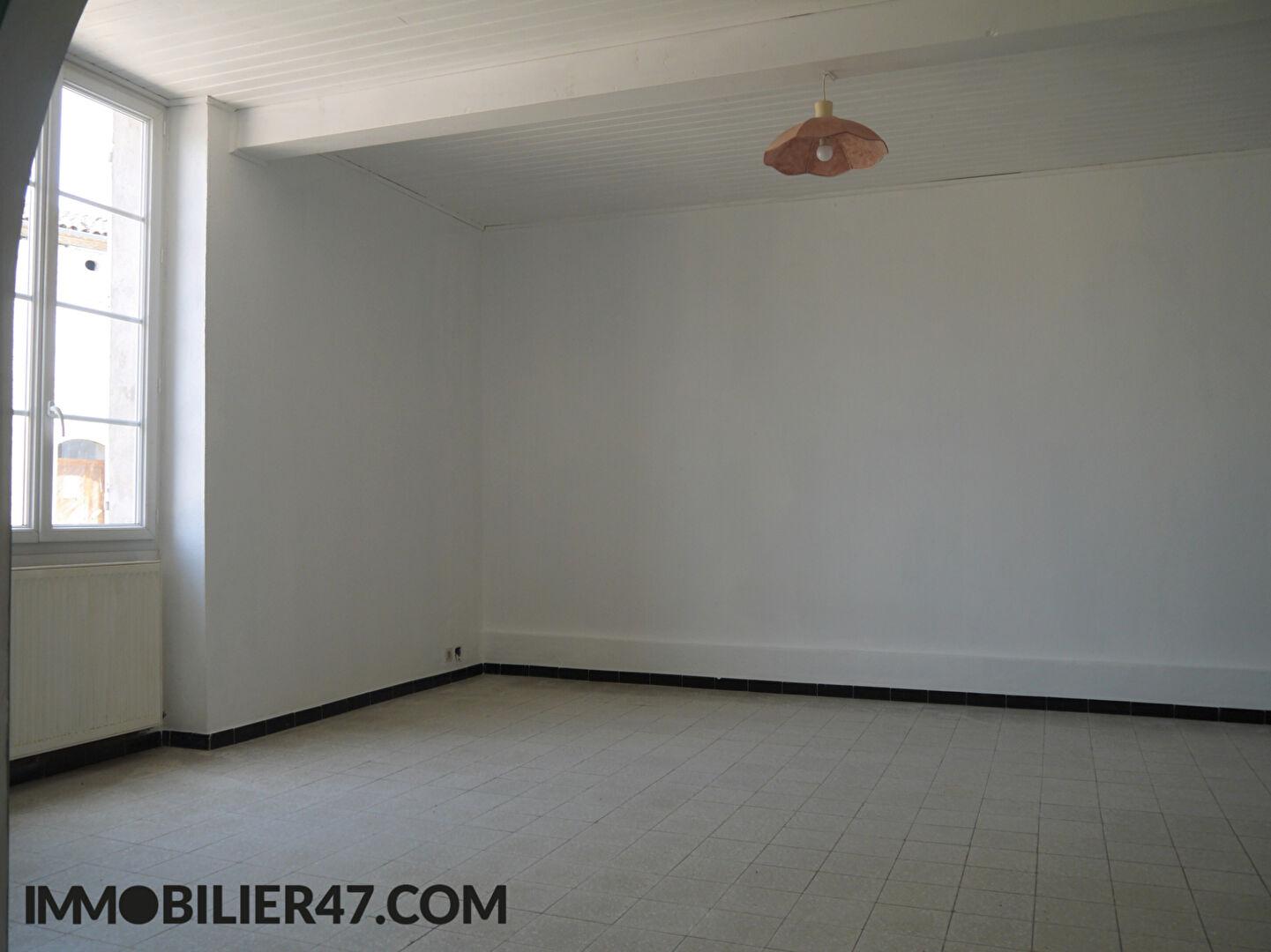 Rental house / villa Lusignan petit 590€ +CH - Picture 3