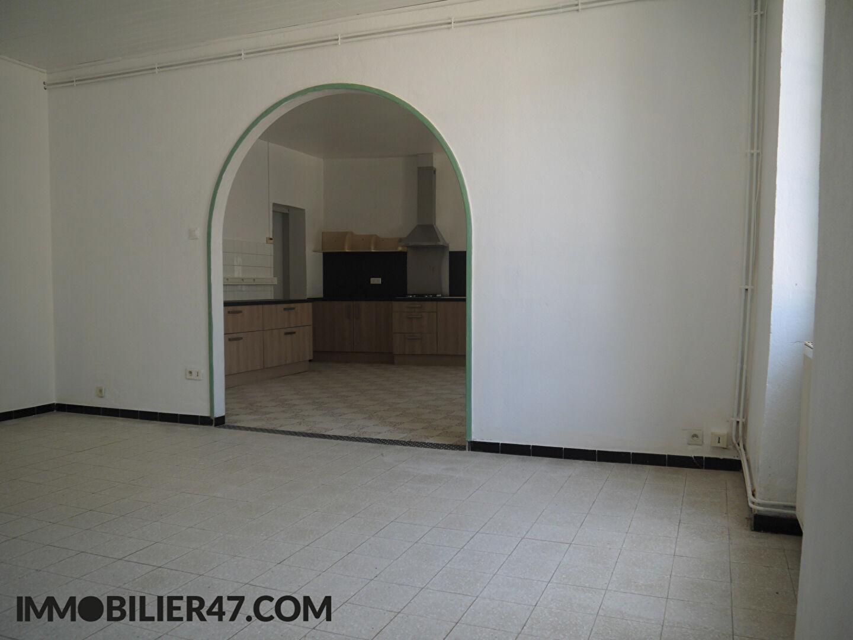 Location maison / villa Lusignan petit 590€ +CH - Photo 4