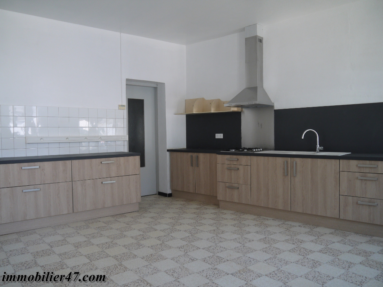 Location maison / villa Lusignan petit 590€ +CH - Photo 5