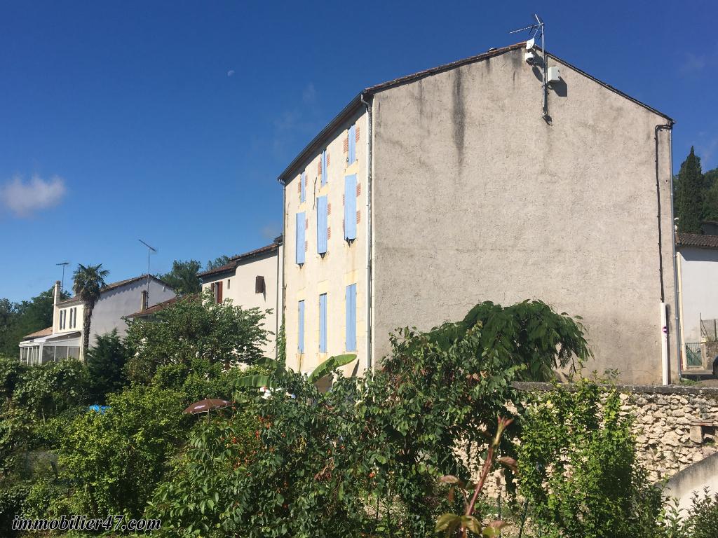 Location appartement Castelmoron sur lot 390€ CC - Photo 2