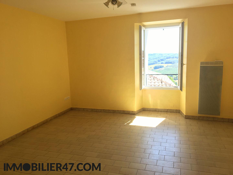 Rental house / villa Montpezat 425€ CC - Picture 2