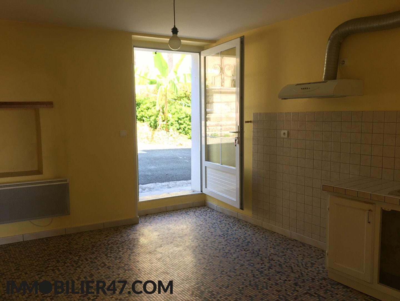 Rental house / villa Montpezat 425€ CC - Picture 4
