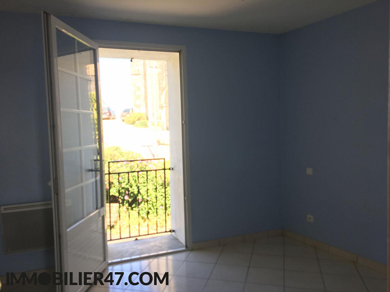 Rental house / villa Montpezat 425€ CC - Picture 7