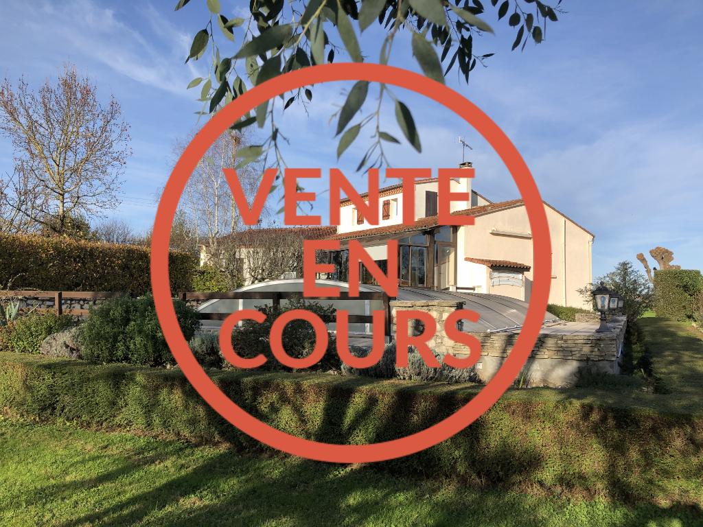 Villa Castelmoron-sur-Lot - 7 pièces - 182 m²