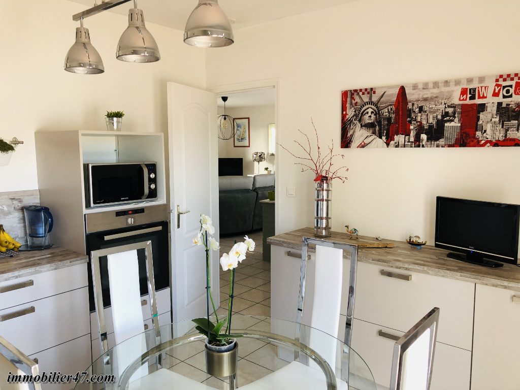 Sale house / villa Tombeboeuf 191 700€ - Picture 3