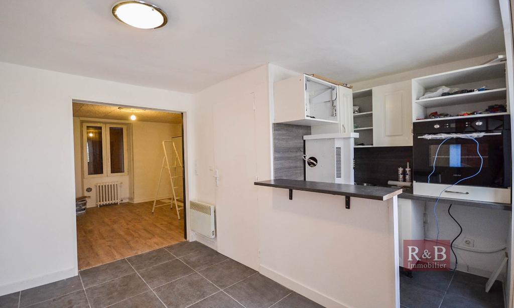 Sale apartment Les clayes sous bois 120000€ - Picture 2