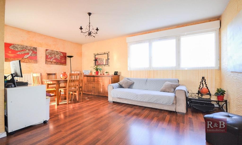 Sale apartment Plaisir 169000€ - Picture 2