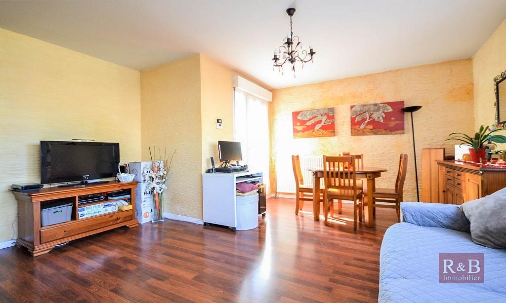 Sale apartment Plaisir 169000€ - Picture 3