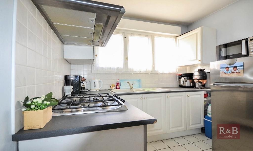 Sale apartment Plaisir 169000€ - Picture 4